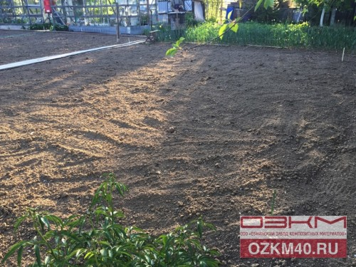 Разметка опорами грядок огорода на даче