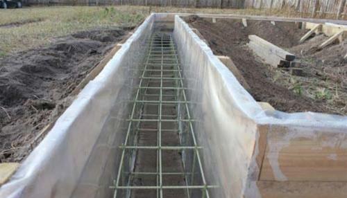 Армирование ленточного фундамента стеклопластиковой арматурой в д. Алексеевка